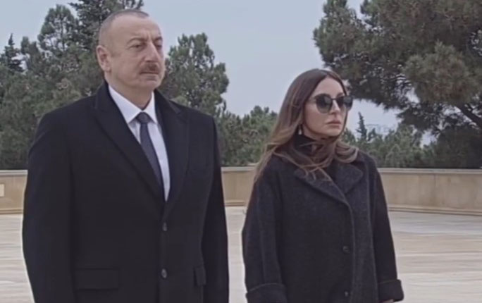 Prezident İlham Əliyev və birinci xanım Mehriban Əliyeva şəhidlərimizin xatirəsini yad ediblər